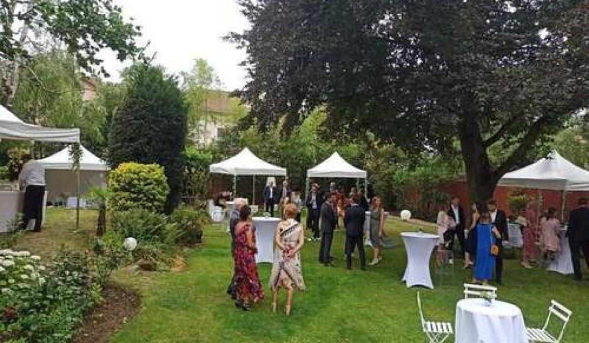 Organiser une garden-party grâce à un traiteur évènementiel parisien